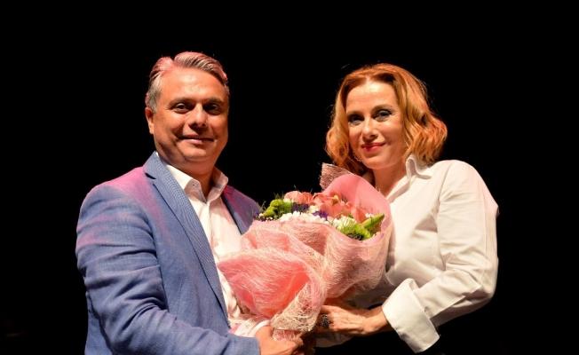 Yeni sezon Zuhal Olcay konseriyle başladı