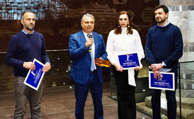 Başkan Uysal'a mimarlık ödülü