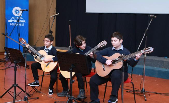 Genç müzisyenler göz doldurdu