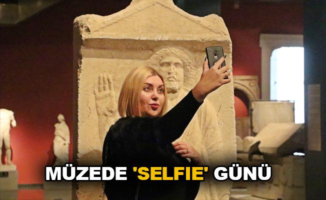 Müzede 'selfie' günü