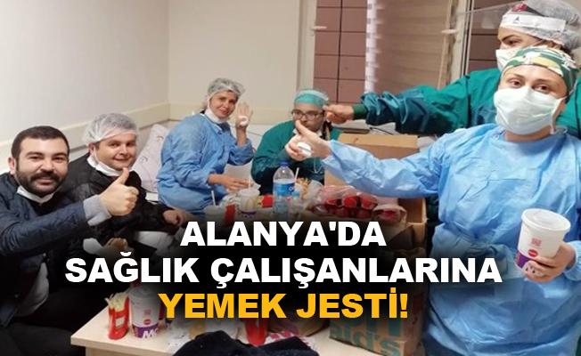 Alanya'da sağlık çalışanlarına yemek jesti