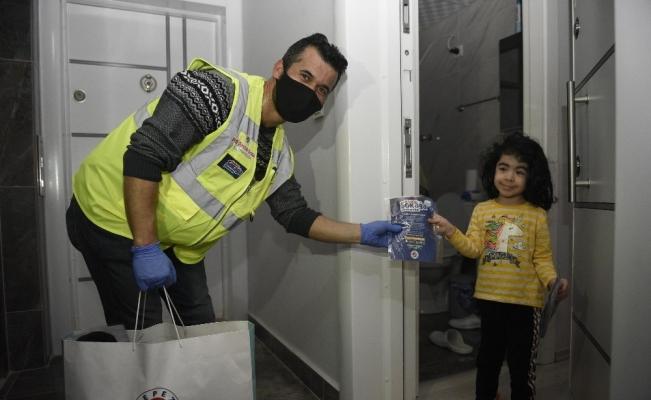 Kepez'de 927 bin 336 adet yıkanabilir maske dağıtıldı