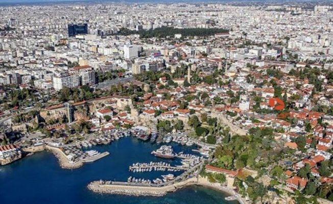 Mart ayında Antalya'da yabancılara 584 konut satışı gerçekleşti