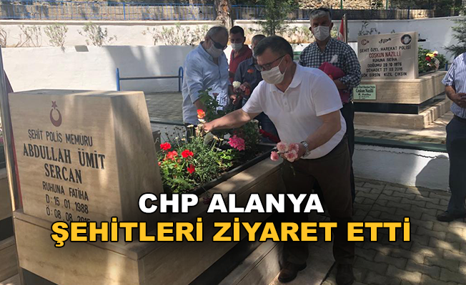 Alanya CHP şehitleri ziyaret etti