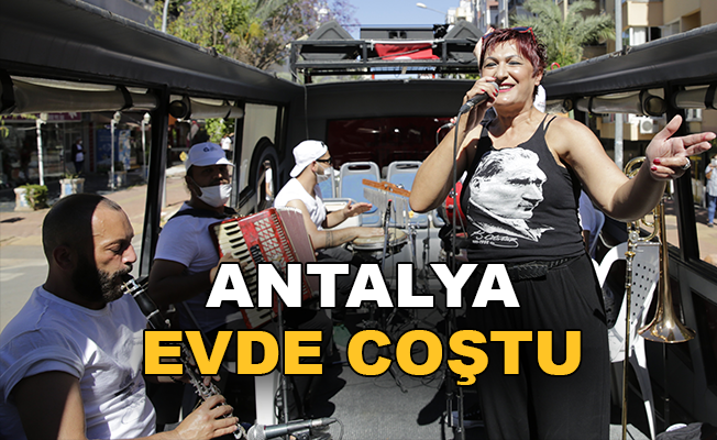Antalya'da mobil konser coşkusu