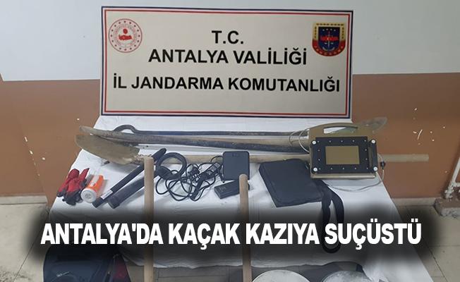 Antalya'da kaçak kazıya suçüstü