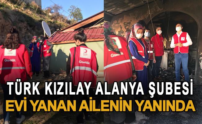 Türk Kızılay Alanya Şubesi Evi Yanan Ailenin Yanında
