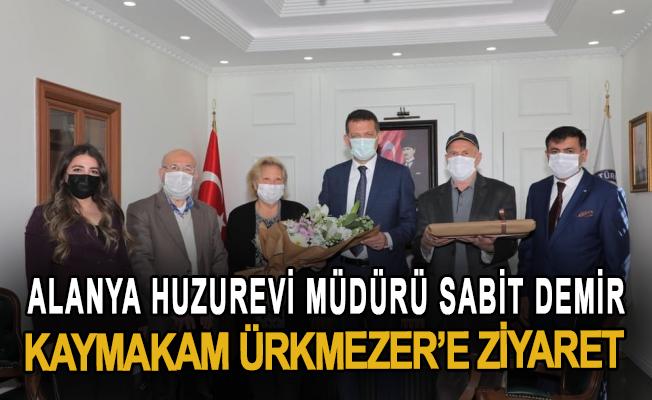 Alanya Huzurevi Müdürü Sabit Demir, Fatih Ürkmezer'e ziyaret