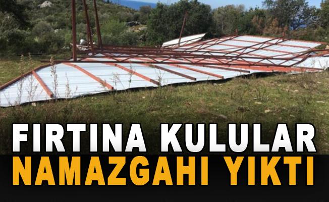 Fırtına Kulular Mezarlığı'nın namazgahını yıktı