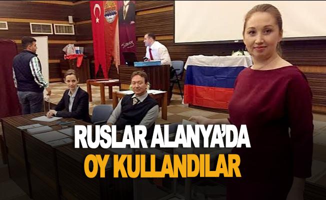 Ruslar Alanya'da oy kullandı