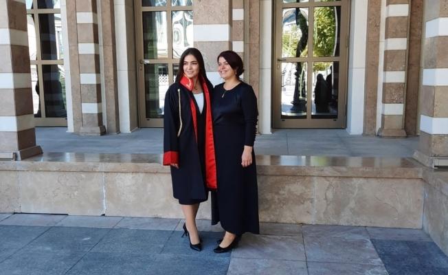 Şehit Erol Soyer'in hiç görmediği kızı Merve herkesi gururlandırdı