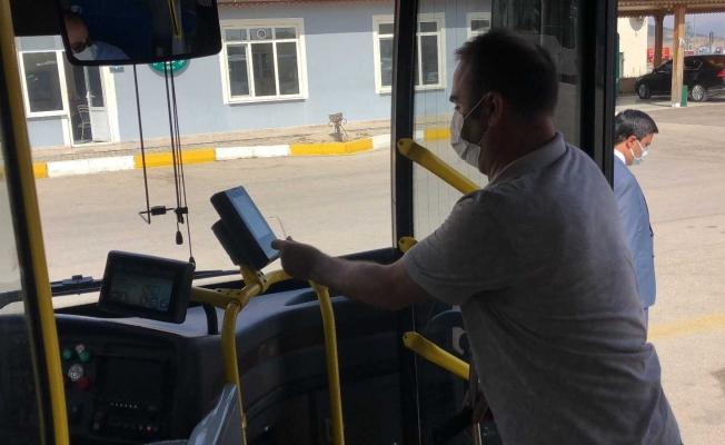 """Isparta'da toplu taşıma araçlarında şehit aileleri ve gazileri duygulandıran ses: 'Vatan size minnettar"""""""