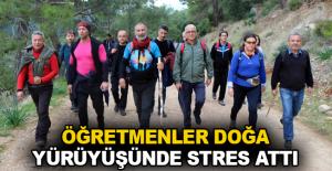 Öğretmenler doğa yürüyüşünde stres attı