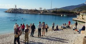 Yerleşik yabancılar 2020'yi yüzerek karşıladı