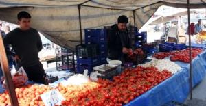 Pazar esnafının sebzelerini çaldılar