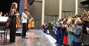 Türkan Şoray'da gençlik senfoni orkestrası