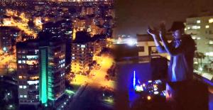 DJ balkonuna kurduğu ses sistemiyle Antalya sokaklarını adeta inletti