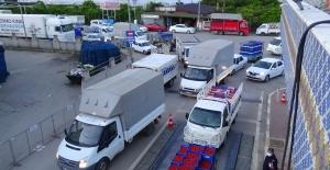 Antalya'da 3 günlük kısıtlamanın ardından kilometrelerce kuyruk oluştu