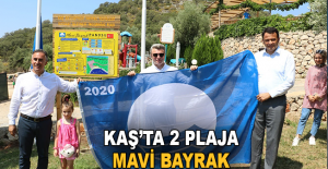 Kaş'ta 2 plaja Mavi Bayrak