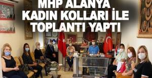 MHP Alanya Kadın Kolları, Türkdoğan ile toplantı yaptı