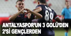 Antalyaspor'un 3 golünden 2'si gençlerden