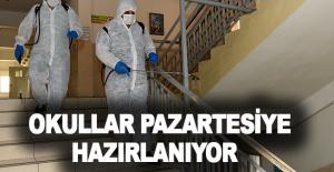 Muratpaşa'da okullar pazartesiye hazırlanıyor