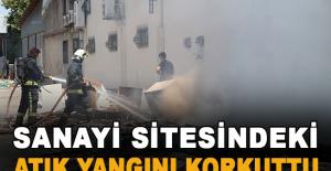 Sanayi sitesindeki atık yangını korkuttu