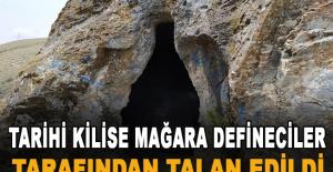 Tarihi kilise mağara defineciler tarafından talan edildi
