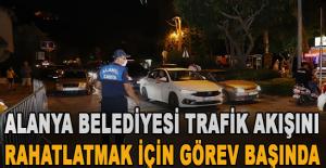 Alanya Belediyesi trafik akışını rahatlatmak için görev başında