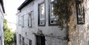 Alanya'da elektrik kontağı evi yaktı