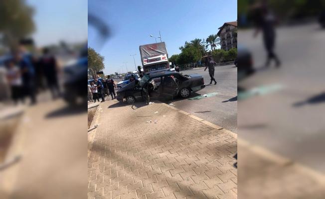 Antalyada feci kaza: Baba oğul...